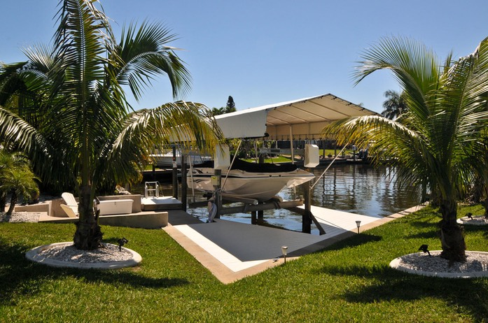 Villa Casa Blue Cape Coral FL-large-033-Boat Dock and Canal-1500x997-72dpi