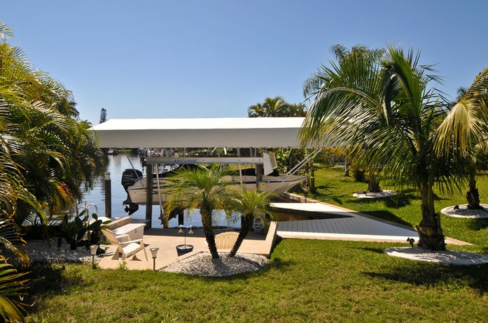 Villa Casa Blue Cape Coral FL-large-031-Boat Dock and Canal-1500x997-72dpi